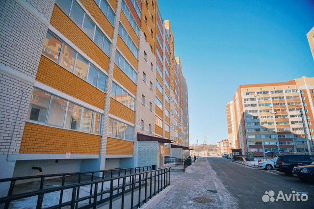 Продается двухкомнатная квартира за 3 250 000 рублей. улица Василенко, 12.