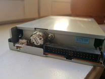 Привод для дискет 3,5'