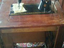 Швейная машина в тумбе