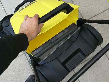Подметальная машина с ручным управлением KarcherS4